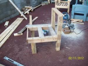 fauteuil en palette  32298_415842351814177_1352719020_n-300x225